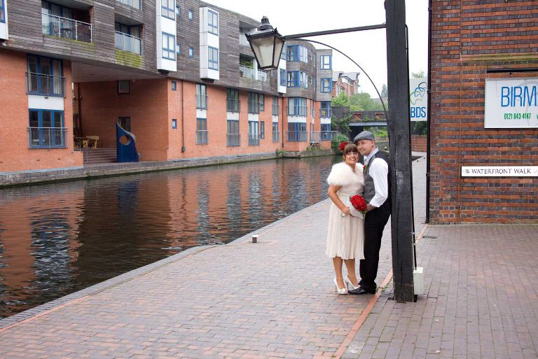 cheap wedding photographers at Birmingham Register Office